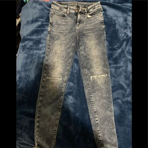 American Eagle skinny distressed jeans size 4
